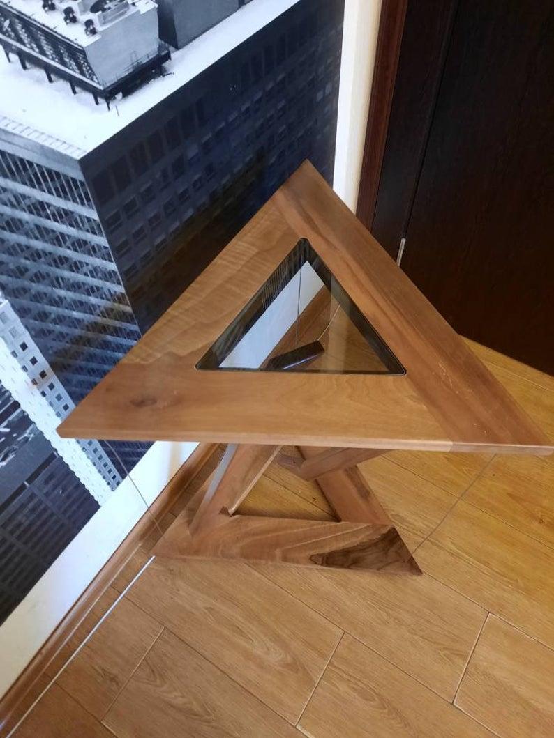 triangular tensegrity table