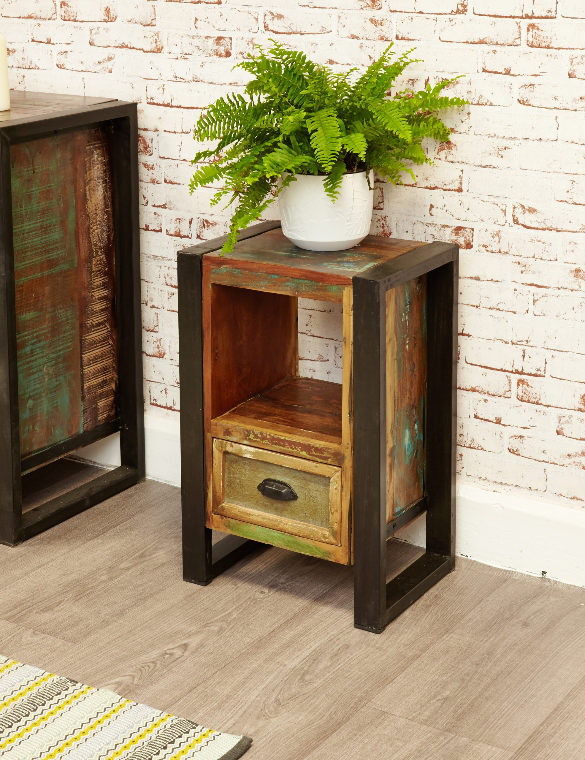 urban chic lamp table / bedside table with drawer